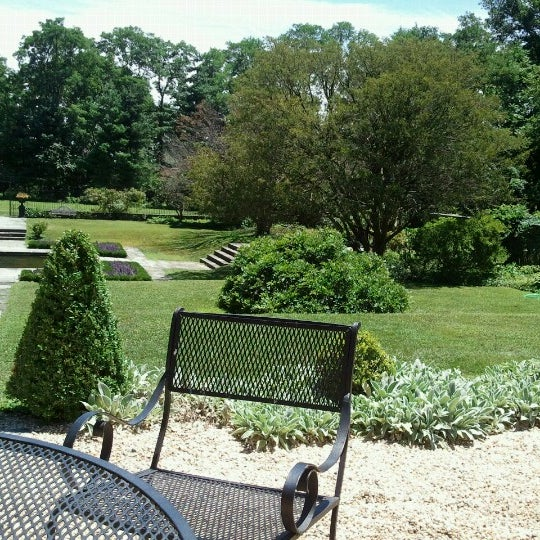 Photo taken at Bartow-Pell Mansion Museum by Ketrin L. on 7/21/2012