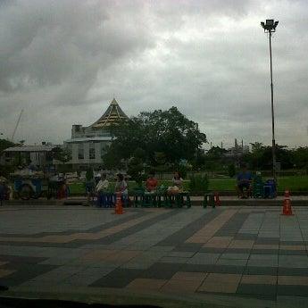 Photo taken at พระบรมสารีริกธาตุ วัดพระศรีมหาธาติ by MiizNC on 7/11/2012