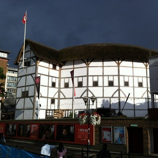 Photo taken at Shakespeare's Globe Theatre by Ilnur M. on 7/29/2012
