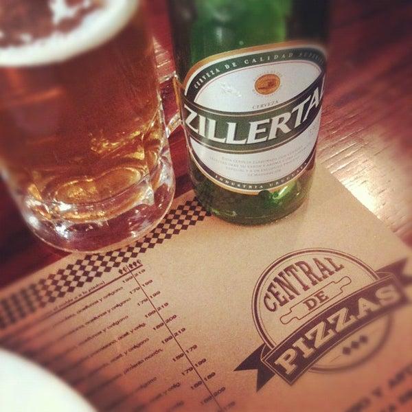 Foto tomada en Central de Pizzas por Alejandro Z. el 3/15/2012