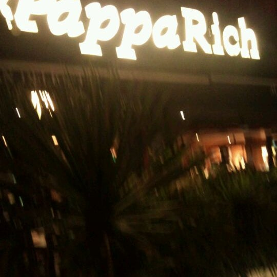 Photo taken at PappaRich by Kok H. on 6/8/2012