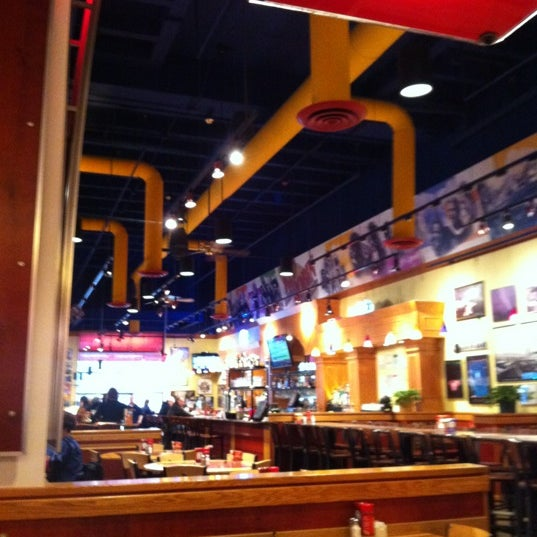 Photo taken at Red Robin Gourmet Burgers by Steven M. on 2/25/2012