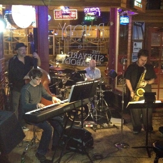 Photo taken at Peabody's Ale House by Caley on 4/23/2012