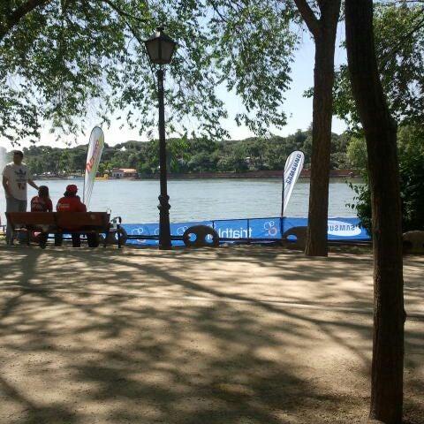 Photo taken at Lago de la Casa de Campo by Máximo G. on 5/27/2012