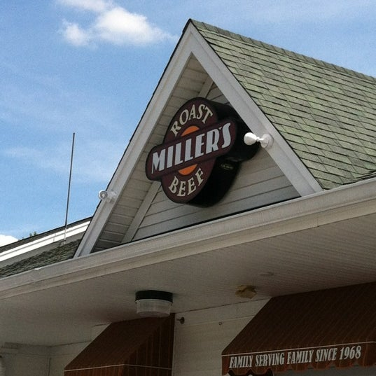 Photo taken at Miller's Roast Beef - South Attleboro by Stephen on 8/7/2012