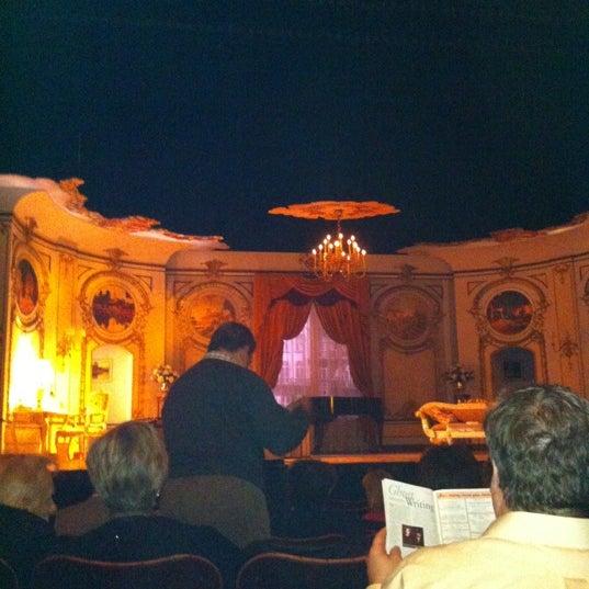รูปภาพถ่ายที่ Belasco Theatre โดย Ed T. เมื่อ 3/22/2012