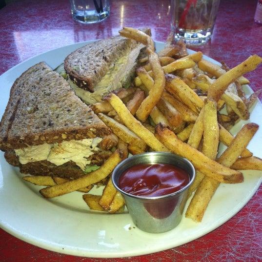 Photo taken at Silk City Diner Bar & Lounge by Phran W. on 6/2/2012
