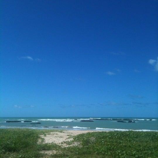 Foto tirada no(a) Praia de Guaxuma por Viviane S. em 7/19/2012