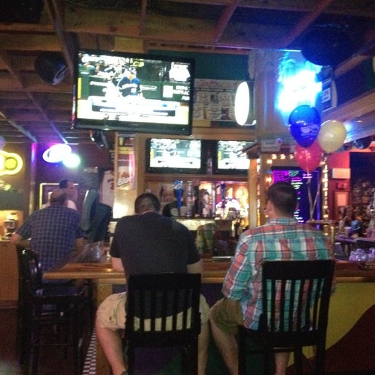 Bar = quick drink service!