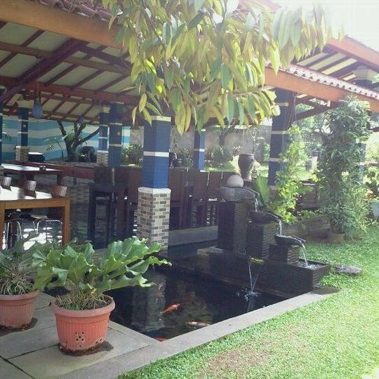 Photo taken at Ikan Bakar Bambu Haur by Tineke P. on 6/3/2012