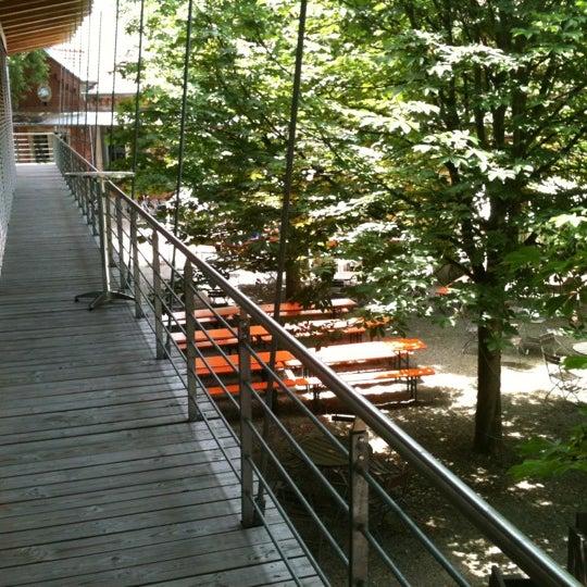 Das Foto wurde bei SMI SocialMedia Institute - Creative-Office von Stefan K. am 6/19/2012 aufgenommen