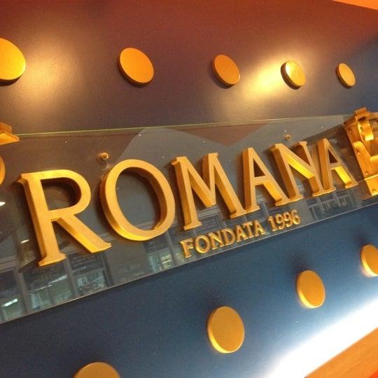 Photo taken at Confeitaria Romana by Henrique F. on 2/13/2012