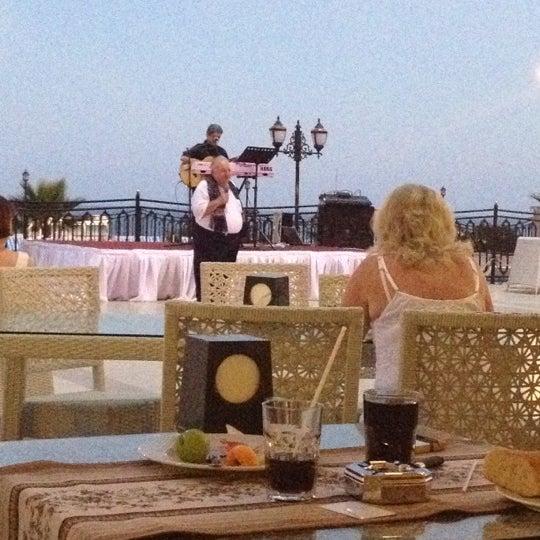 6/8/2012 tarihinde Kübra E.ziyaretçi tarafından Harrington Park Resort Hotel'de çekilen fotoğraf