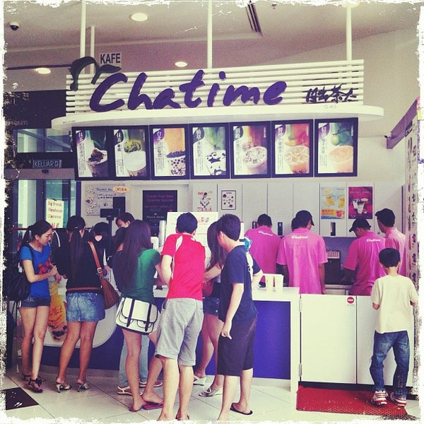 Photo taken at Chatime by donn on 4/27/2012
