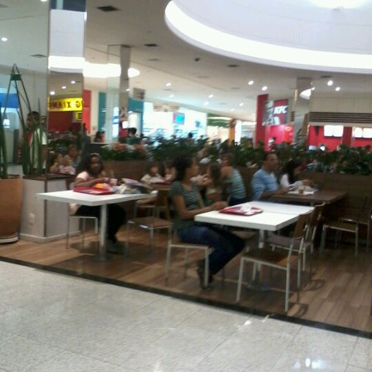 Foto tirada no(a) Boulevard Shopping Campos por Dirley B. em 9/8/2012