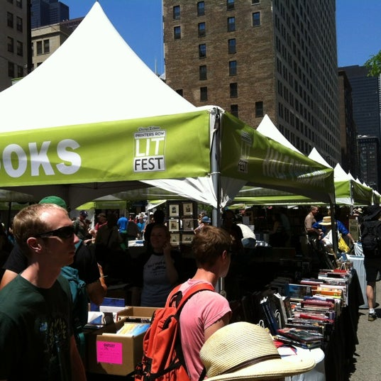 Photo taken at Printers Row Lit Fest by Chen H. on 6/9/2012