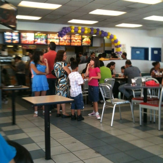 Photo taken at Burger King by Alex S. on 5/1/2012