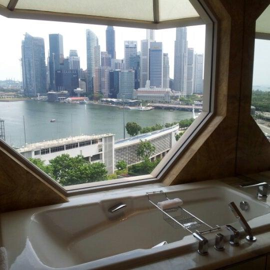 Photo taken at The Ritz-Carlton Millenia Singapore by Sandy on 8/19/2012