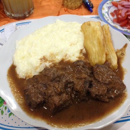 Снимок сделан в Mosita Camba пользователем Luis O. 8/10/2012