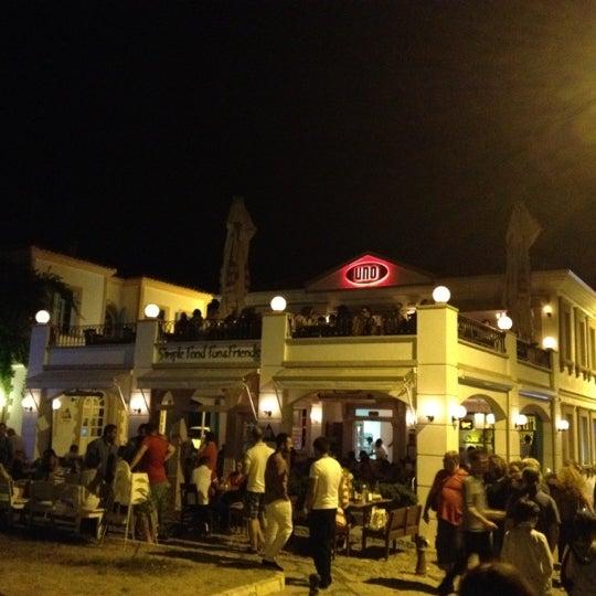 8/19/2012 tarihinde Korhan T.ziyaretçi tarafından Uno Restaurant'de çekilen fotoğraf