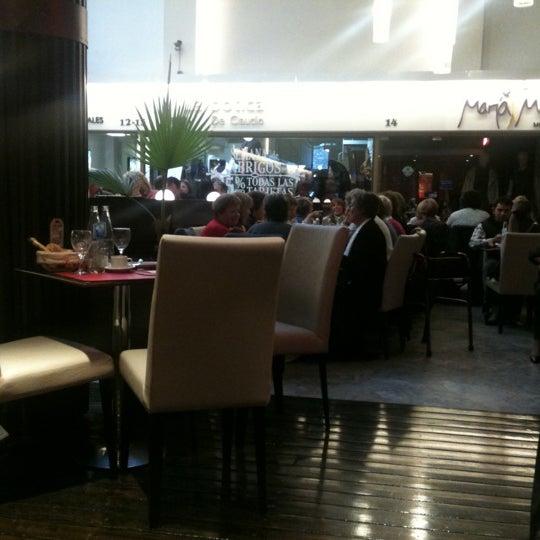 Bizzarro caf restaurant mendoza mendoza for Silla 14 cafe resto mendoza mendoza