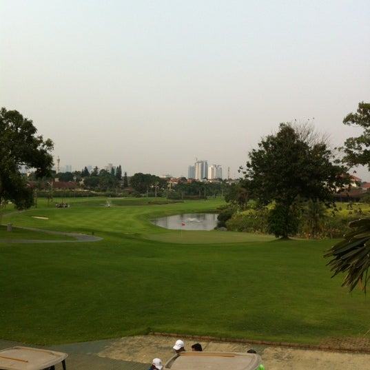 9/2/2012 tarihinde Ady L.ziyaretçi tarafından Pondok Indah Golf & Country Club'de çekilen fotoğraf