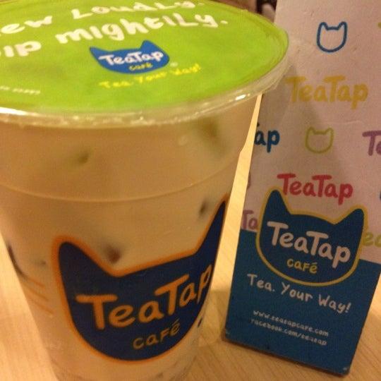 3/24/2012 tarihinde Mark I.ziyaretçi tarafından TeaTap Cafe'de çekilen fotoğraf