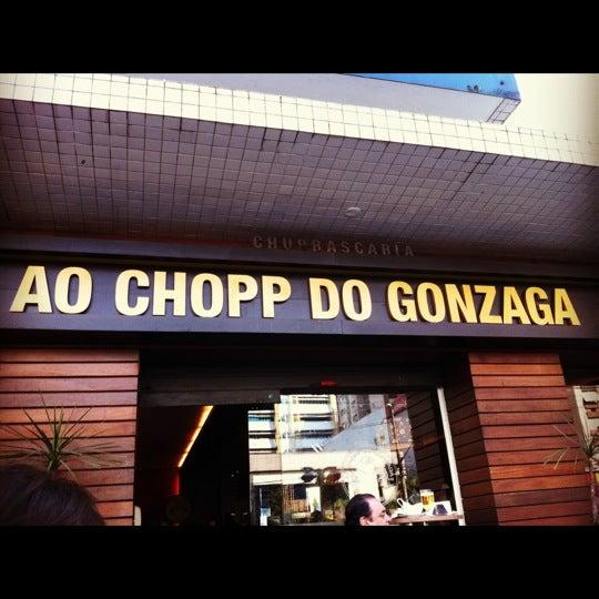 Foto tirada no(a) Ao Chopp do Gonzaga por Dani V. em 8/26/2012