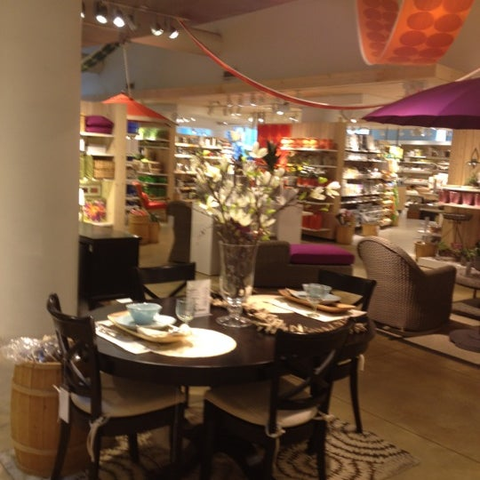 Photo taken at Crate and Barrel by Kyoung lim K. on 2/27/2012