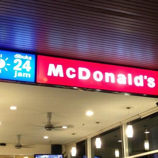 Photo taken at McDonald's by Benji K. on 4/14/2012