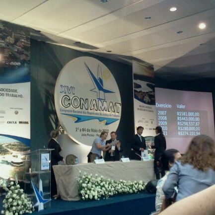 Foto tirada no(a) Tropical Hotel Tambaú por Adriana C. em 5/3/2012