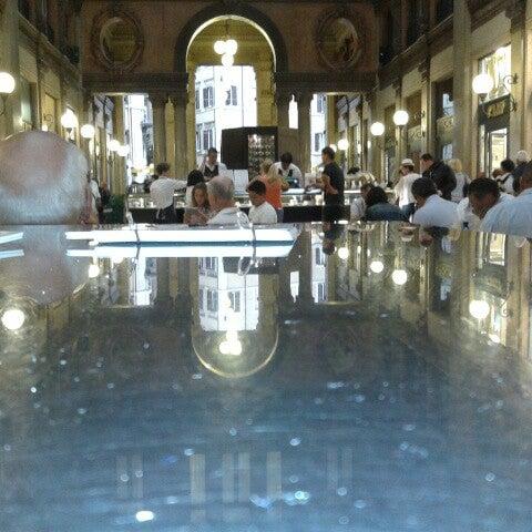 Foto scattata a Galleria Alberto Sordi da Aiah A. il 9/13/2012