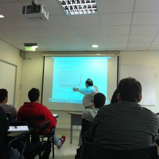 Foto tomada en Universidad Andrés Bello por Agustin F. el 6/1/2012