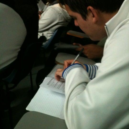 Foto tomada en Universidad Andrés Bello por Diego H. el 4/9/2012