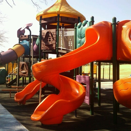 Photo taken at Simba Playground @ Delta Park by Minette T. on 7/3/2012