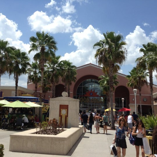 Photo taken at Orlando Vineland Premium Outlets by Anil P. on 8/5/2012