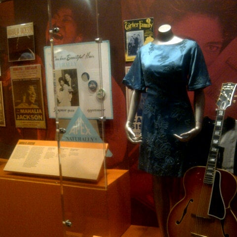 Photo taken at National Museum of Women in the Arts by Troy P. on 9/5/2012