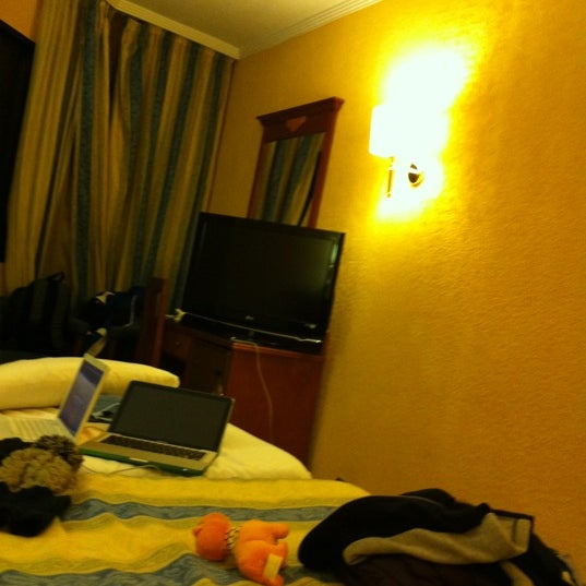 Photo taken at Hotel Alixares by mets on 4/4/2012
