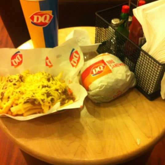 Photo taken at Dairy Queen by Sultan A. on 4/13/2012