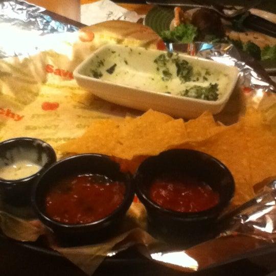 Photo taken at Applebee's by 🎀Devona Y. on 7/12/2012