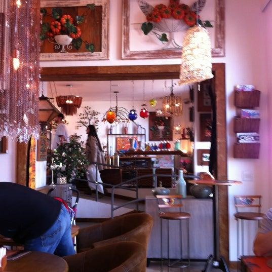 Foto tirada no(a) Florbela Café por Henk d. em 7/14/2012
