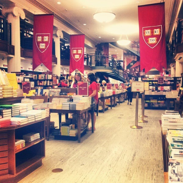 Photo taken at Harvard Coop Society Bookstore by Vicky G. on 8/29/2012