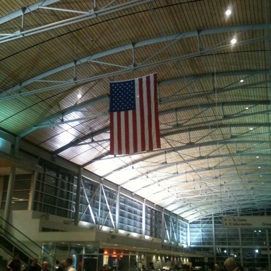Photo taken at Shreveport Regional Airport (SHV) by Earl B. on 2/21/2012