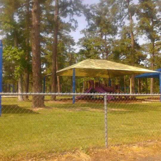 Deussen Dog Park Lake Houston