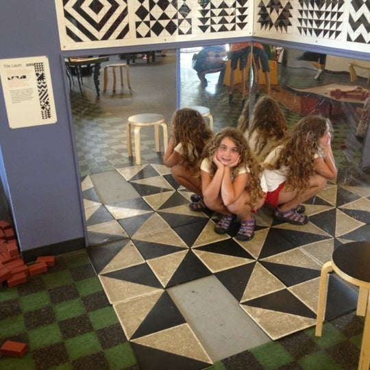 Photo taken at Long Island Children's Museum by Ira L. on 7/15/2012