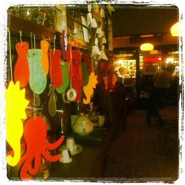 Photo taken at Sıdıka Meze Restoranı by Çağlayan T. on 5/26/2012