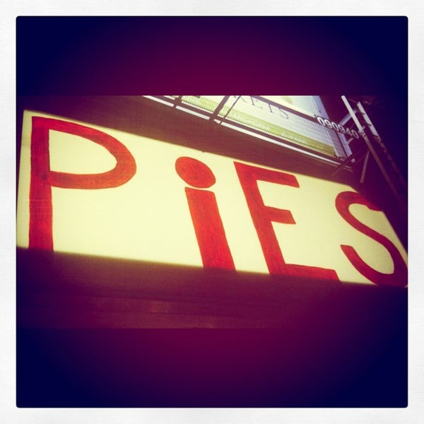 Foto tomada en Whiffies Fried Pies  por Andy H. el 9/7/2012
