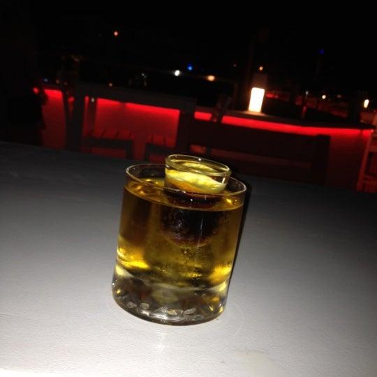 Foto diambil di Beluga Bar Karma Sky Lounge oleh Kadir G. pada 6/8/2012