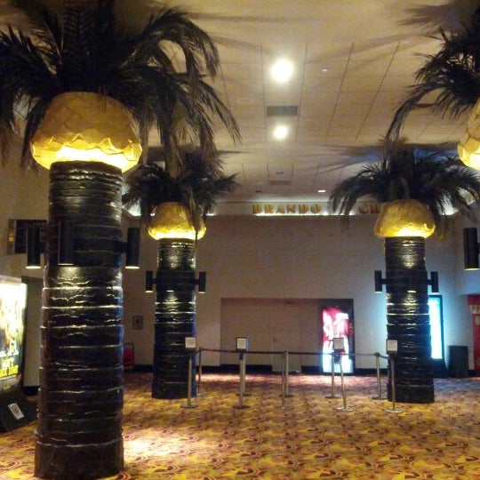 Снимок сделан в AMC Loews Lincoln Square 13 пользователем Fluorescent I. 9/1/2012