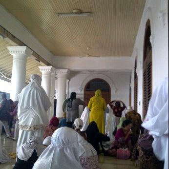 Photo taken at Kawasan Wisata Religi Makam Sunan Ampel by meily l. on 6/22/2012